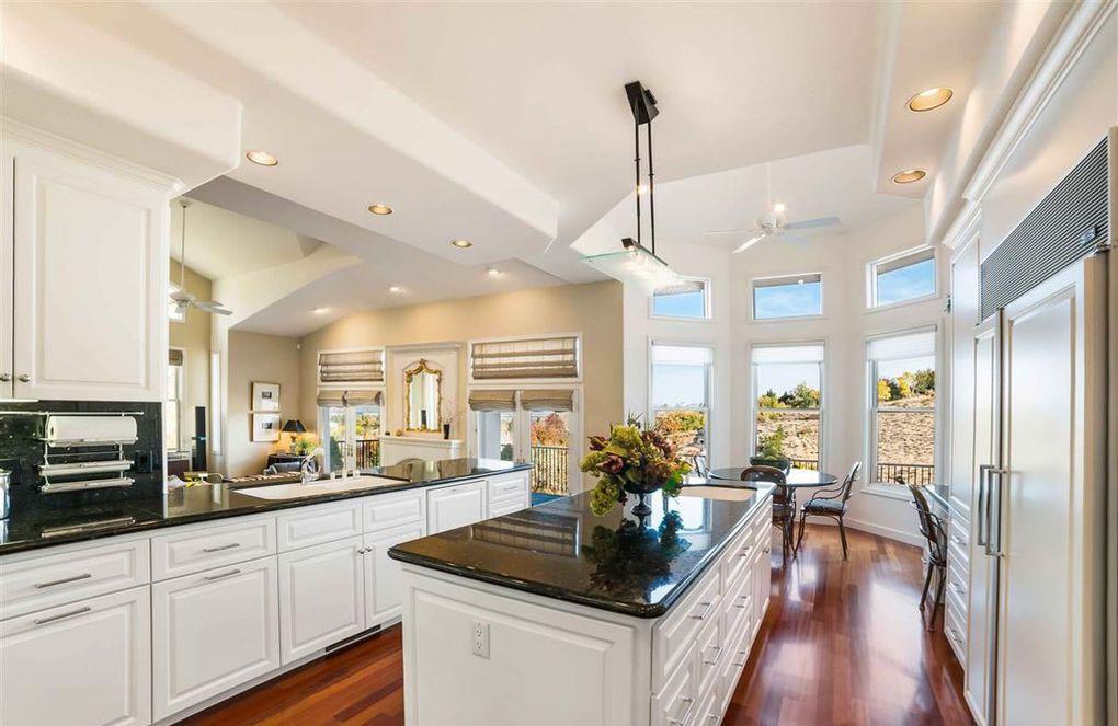 luxury-kitchen-with-view-reno-nv