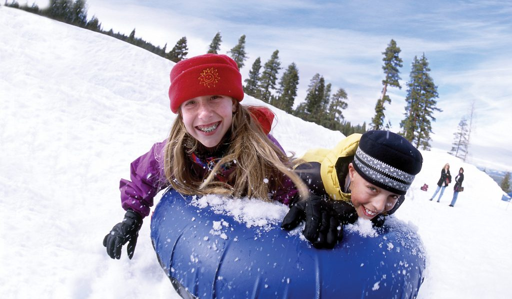 Winter_Kids Tubing