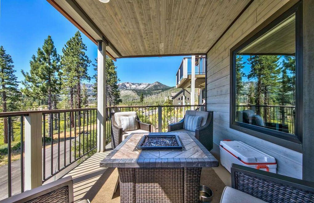 North-Upper-Truckee-Mountain-Views-South-Lake-Tahoe-CA
